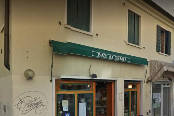 Bar Ai Trani di Padova (foto Google Streetview)